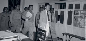 Mr Lee Kuan Yew with Postal and Telecommunications Uniformed Staff Union